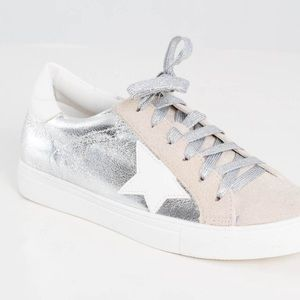 nature breeze silver star sneakers